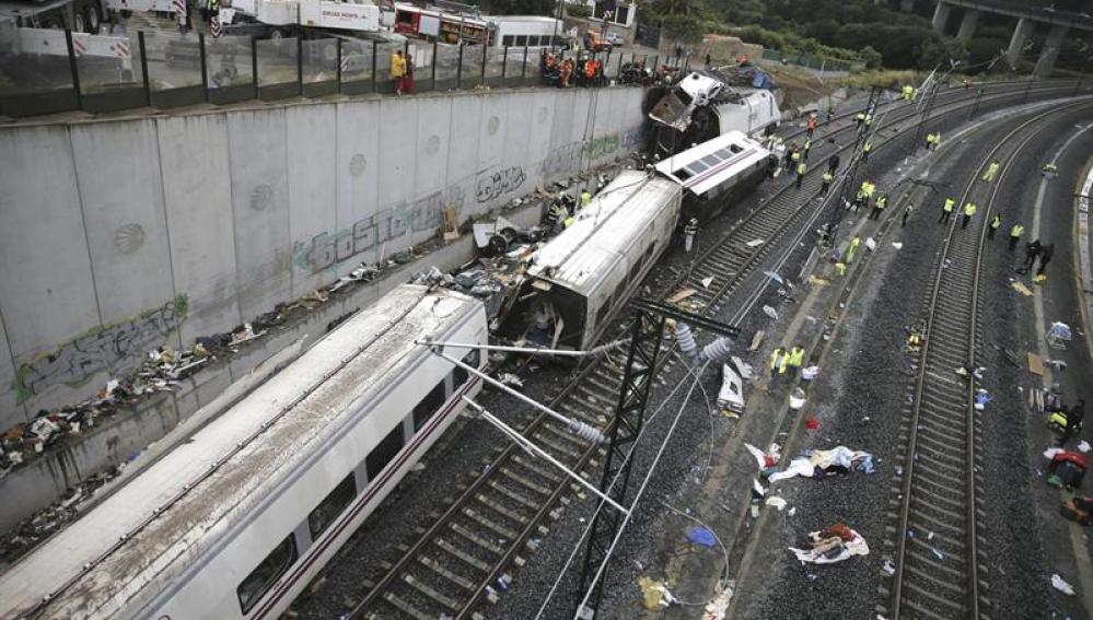 Resto de vagones del tren accidentado