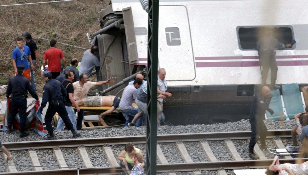 Varios heridos son evacuados de un vagón