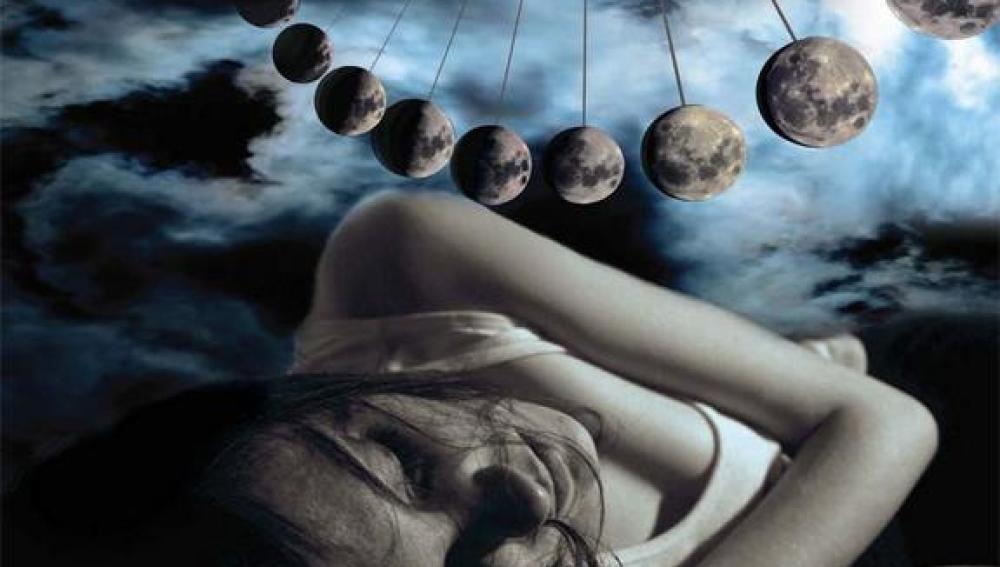 Noche de sueño bajo la luna llena