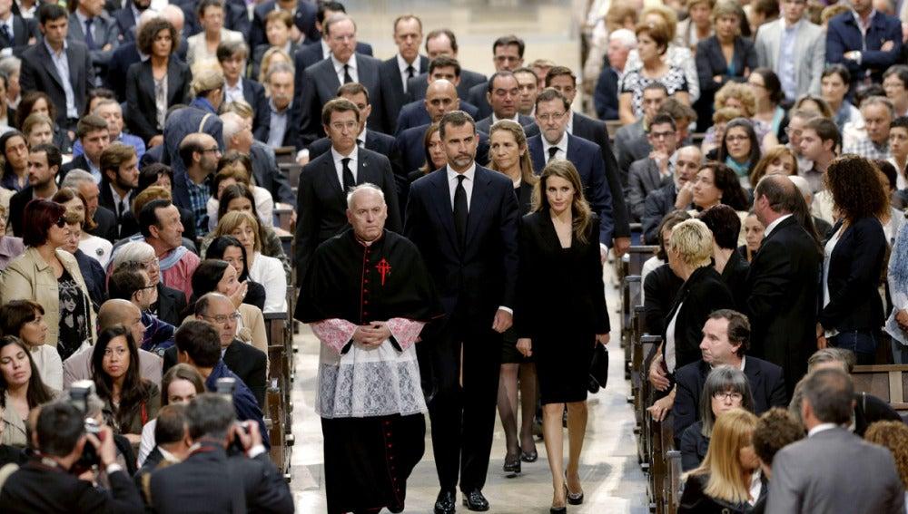 Los Príncipes entran en la Catedral de Santiago