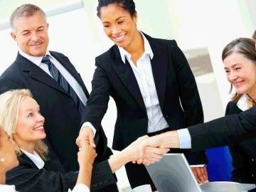 Los departamentos de recursos humanos tienden a contratar a trabajadores mayores