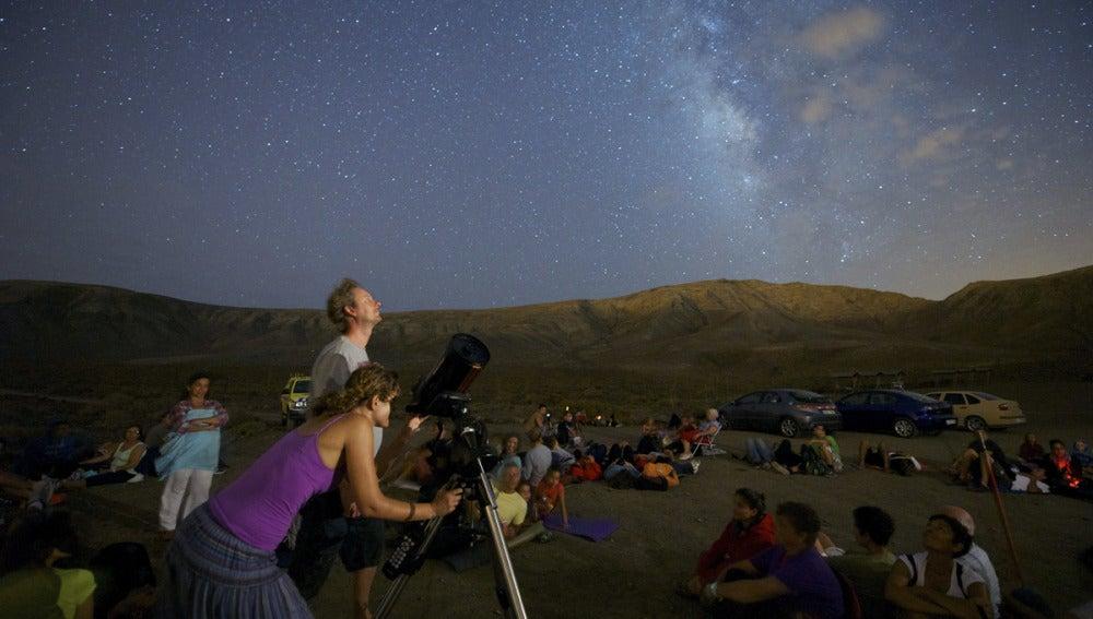 Varias personas se reunieron en Fuerteventura para ver las Perseidas