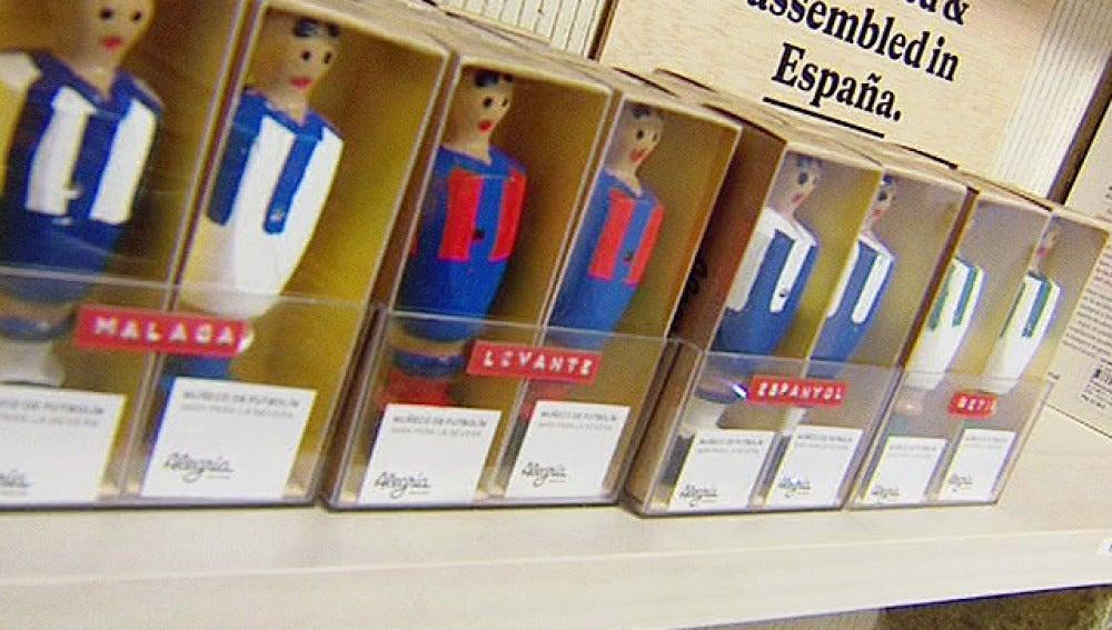 Figuras de futbolín convertidas en imanes