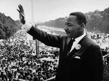 Martin Luther King en medio de un discurso.