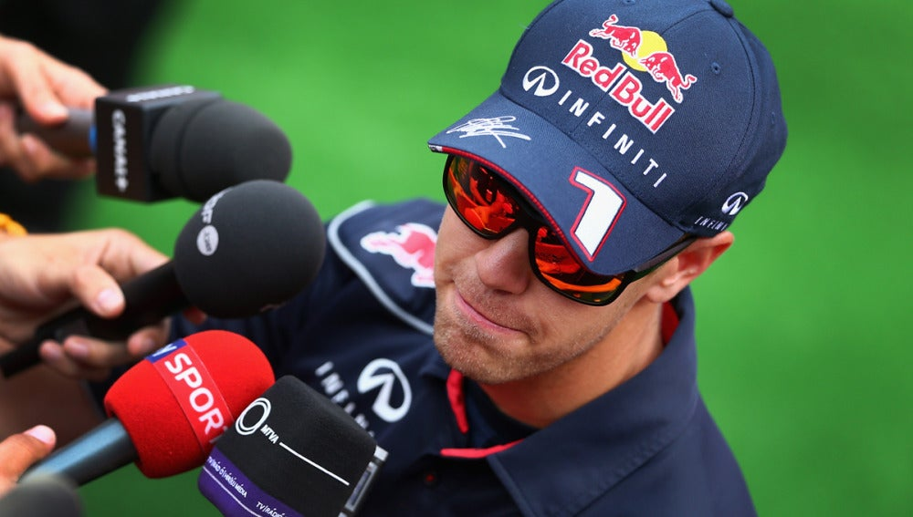 Vettel habla ante los medios