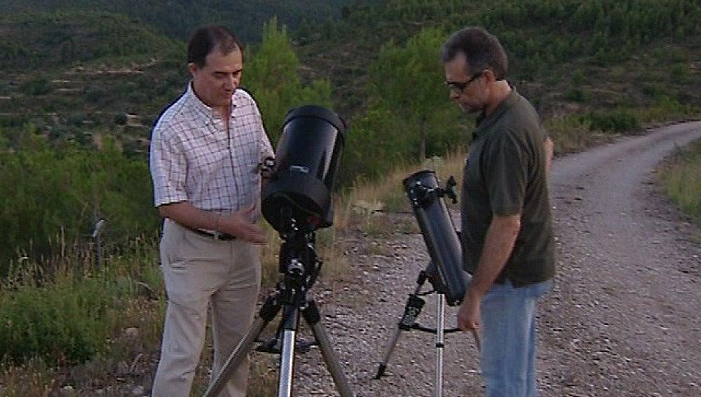 Dos astrónomos en el Parque de Chera