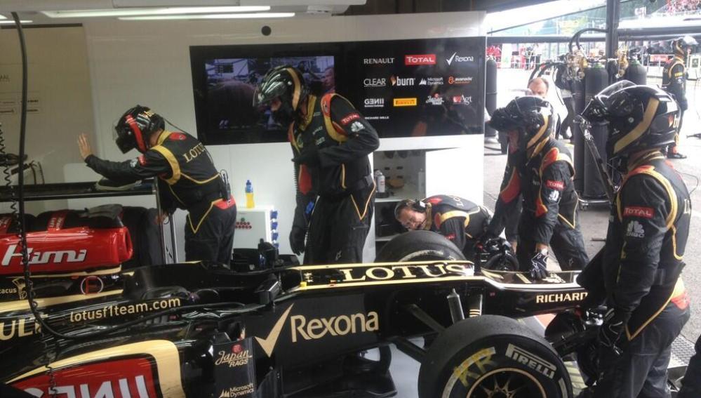 El Lotus de Raikkonen tras abandonar