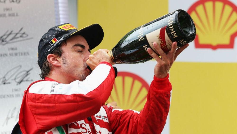 Alonso, en el podio del GP de Bélgica