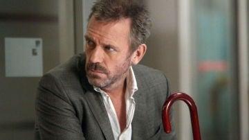 Hugh Laurie como  el Dr. House ('House')
