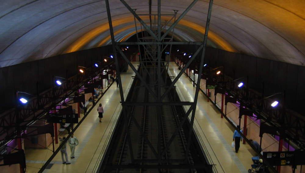 Estación de metro de La Pau, en Barcelona