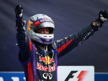 Vettel celebra la victoria en Italia