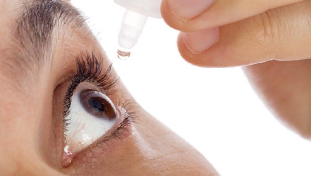 Colirio para evitar los ojos secos
