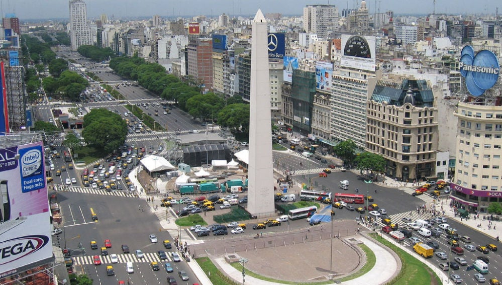 La calle más ancha, 9 De Julio en Buenos Aires, Argentina