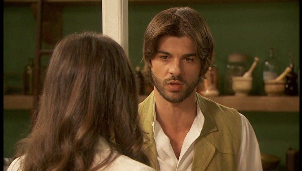 Gonzalo le cuenta a Aurora su enfado
