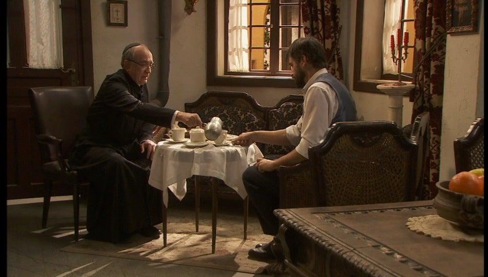 Don Anselmo pide a Olmo que intente pedir perdón a las personas a las que dañó