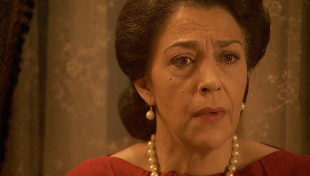 Fernando le cuenta a Francisaca que María está embarazada