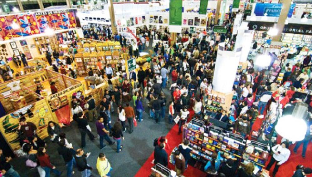 Feria de artículos editoriales.