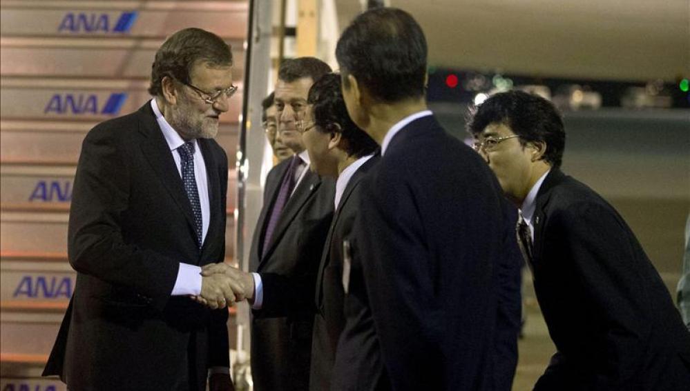Rajoy llega a Tokio en viaje oficial durante el que visitará Fukushima