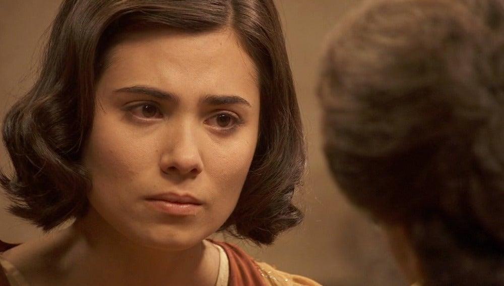 María le cuenta a Francisca que no es feliz con Fernando