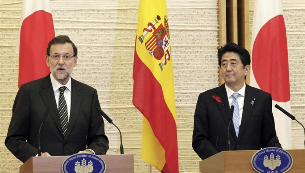 Rajoy y el primer ministro de japonés, Shinzo Abe