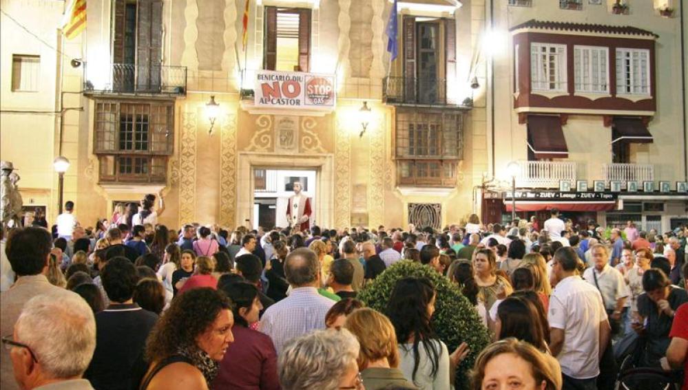 Cientos de vecinos de Benicarló dicen 'no a Castor' y 'stop a la inyección'