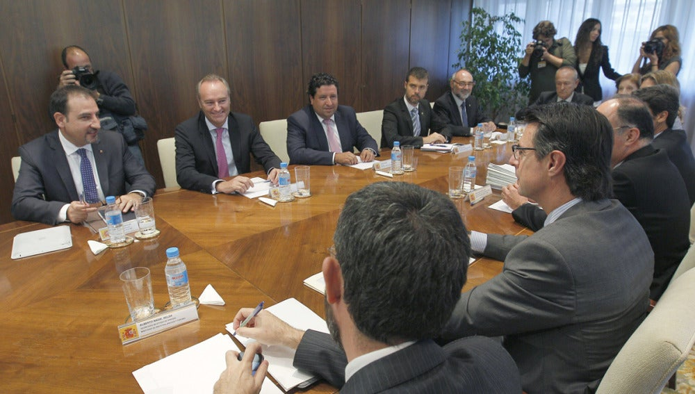 Soria reunido con representantes de Cataluña y Valencia