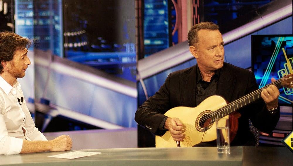 Tom Hanks toca la guitarra en El Hormiguero 3.0