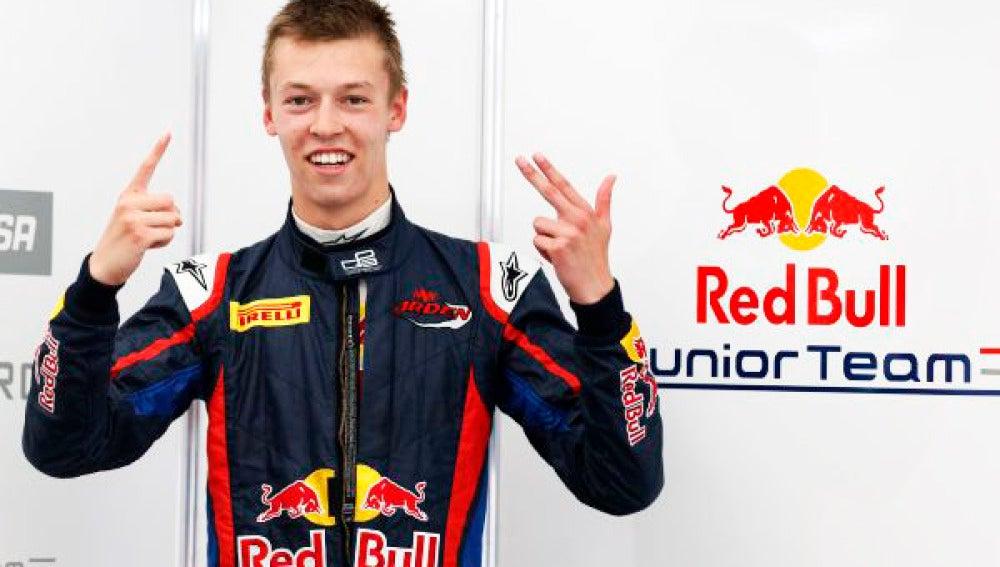 Daniil Kvyat reemplazará a Daniel Ricciardo en Toro Rosso.