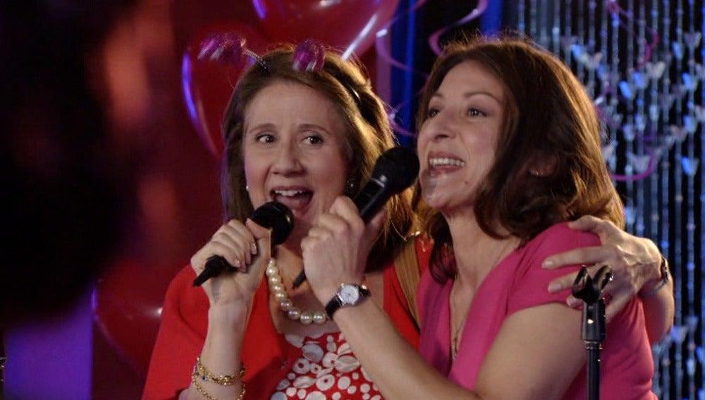 Asún y Candela cantan 'La lista de la compra'