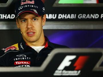 Vettel en rueda de prensa en Abu Dabi