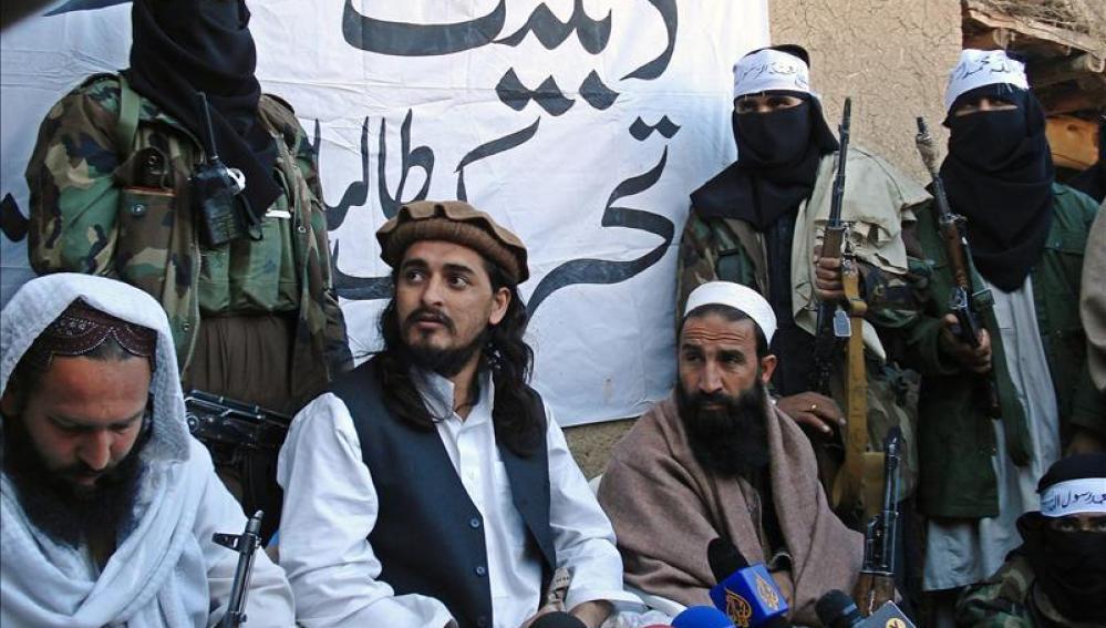 """El líder de los talibanes paquistaníes muere en el ataque de un """"drone"""" de EEUU"""