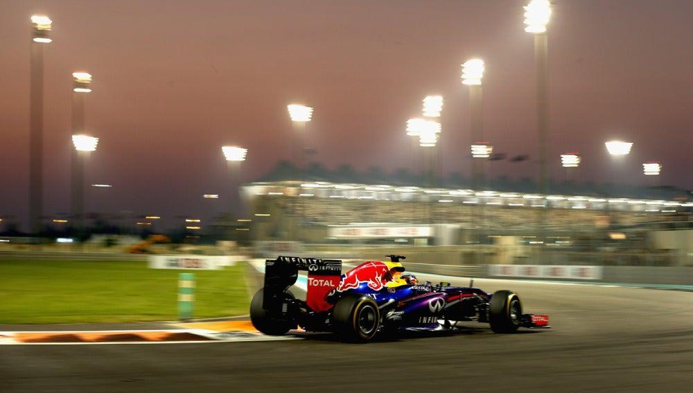 El RB9 de Vettel, en Yas Marina