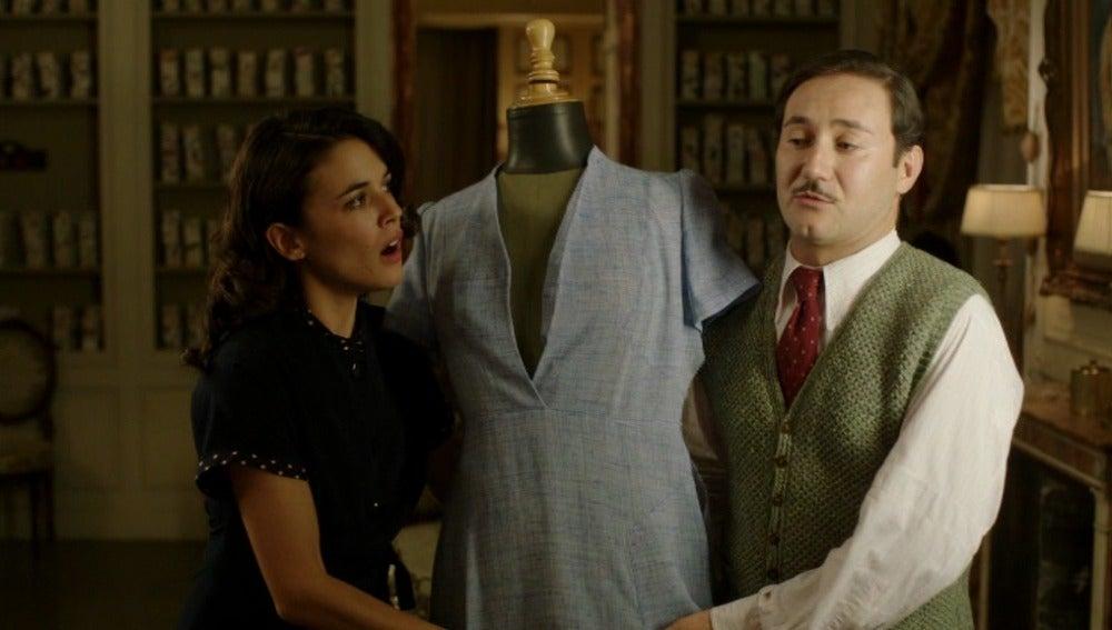 Félix le cuenta a Sira quién es Rosalinda Fox
