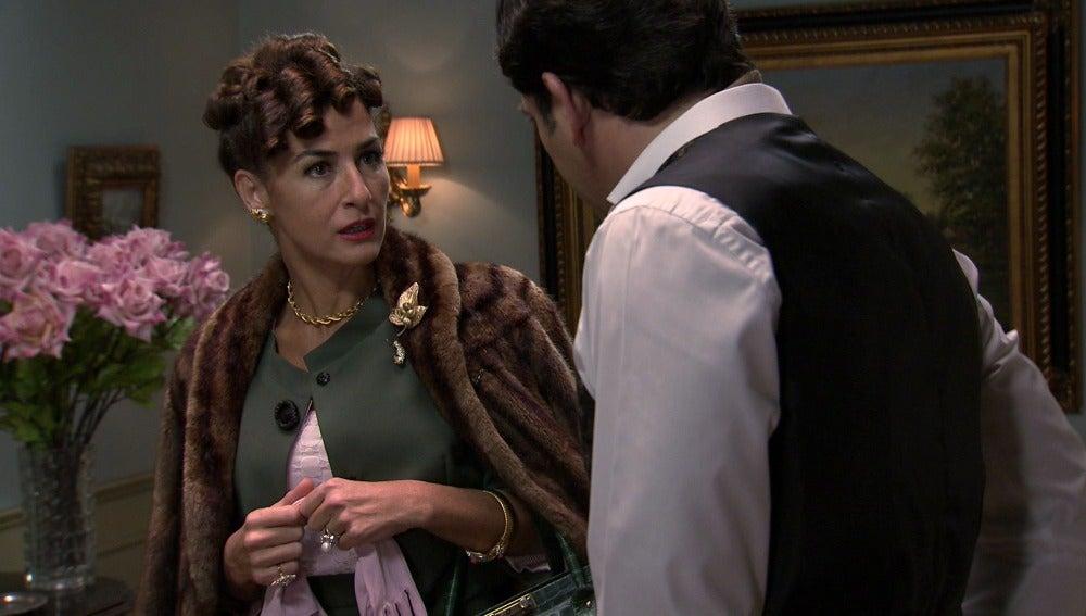 Elena reaparece tras su huida y se entera que Valeria está embarazada