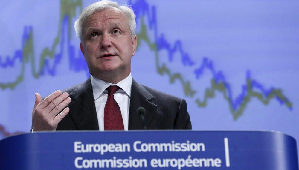 Olli Rehn en rueda de prensa