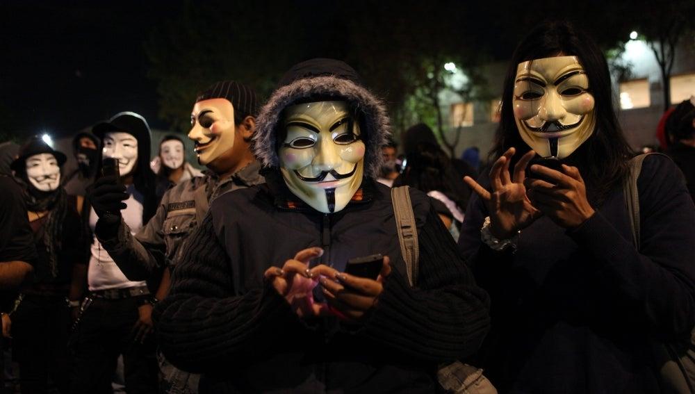 Anonymus celebra su 'marcha de las mil caras' (06-11-2013)