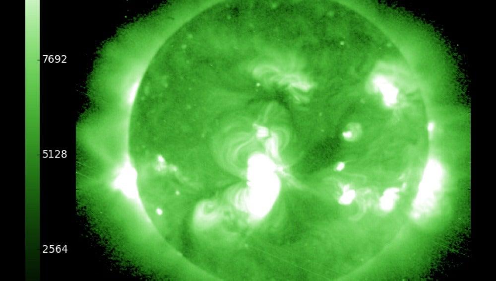 última imágen de rayos x del Sol tomada por la NASA el 8 de octubre