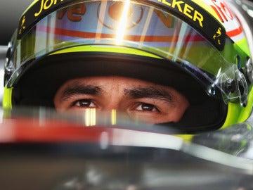 Sergio Pérez a los mandos de su McLaren