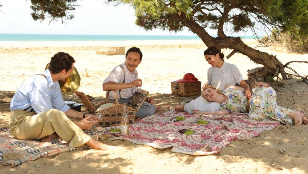 Marcus, Félix, Sira y Rosalinda, de picnic