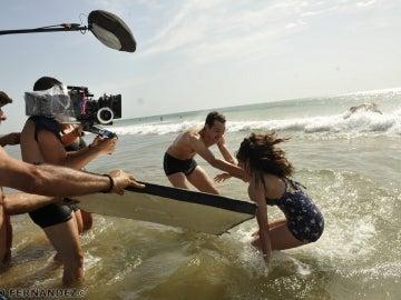Peter y Adriana en el agua
