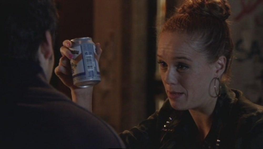 Trini aconseja a Carlos que le pida perdón a Paula