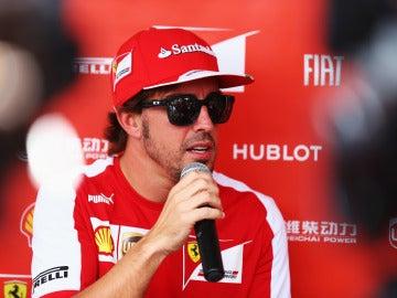 Alonso habla con la prensa
