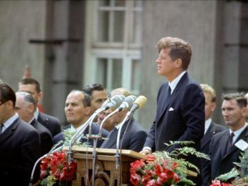 John F. Kennedy pronuncia su famoso discurso en Berlín, junio de 1963