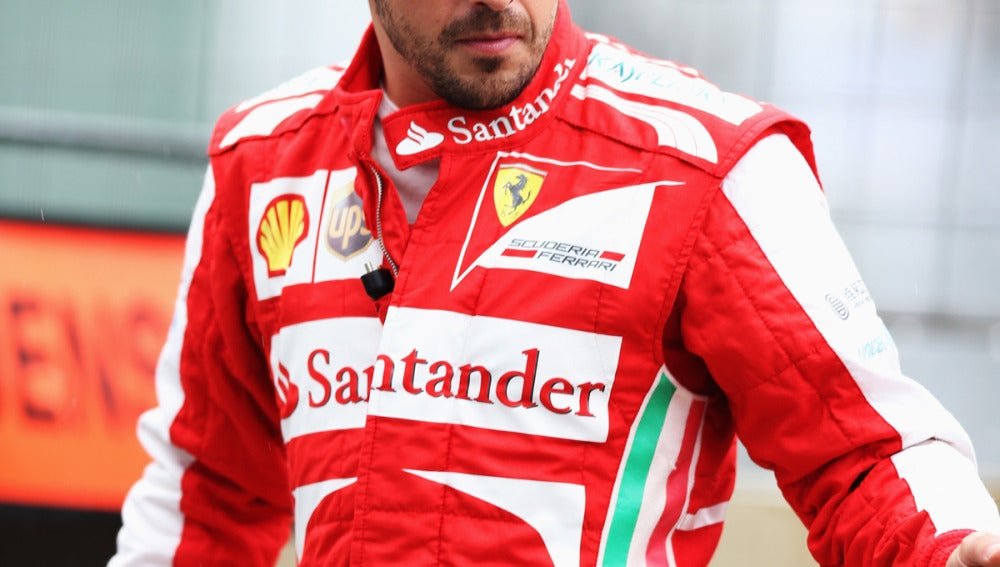 Alonso luce el mono de Ferrari