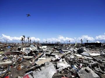 Desolado paisaje en Filipinas (25-11-2013)