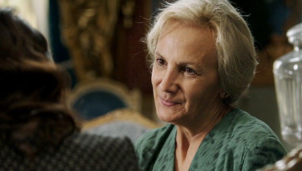 Doña Manuela trabaja para Sira