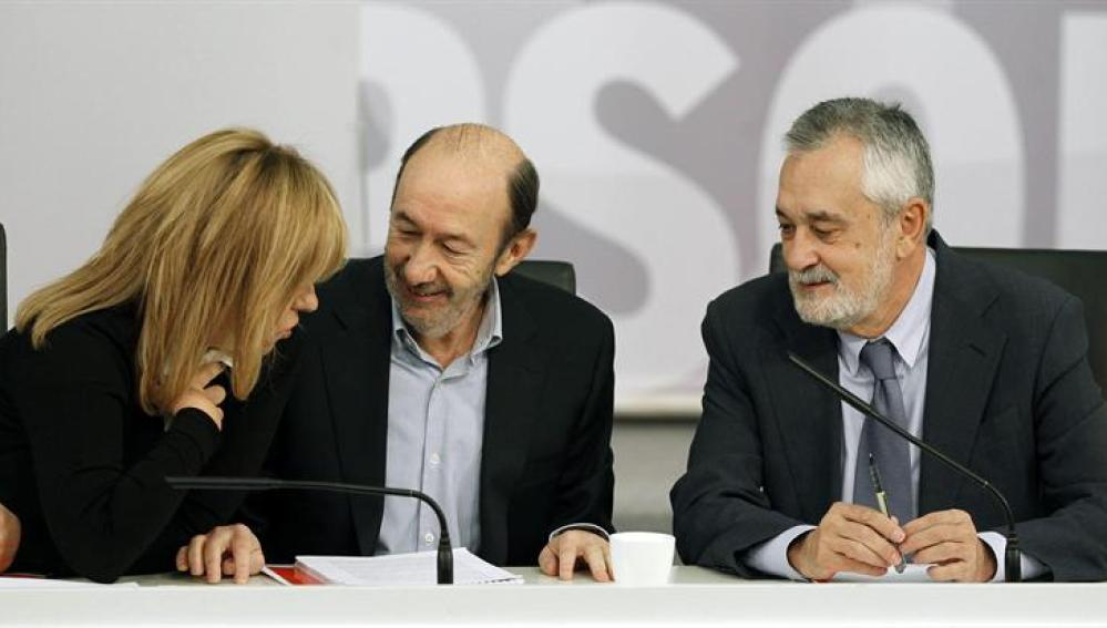 Alfredo Pérez Rubalcaba, José Antonio Griñán y Elena Valenciano