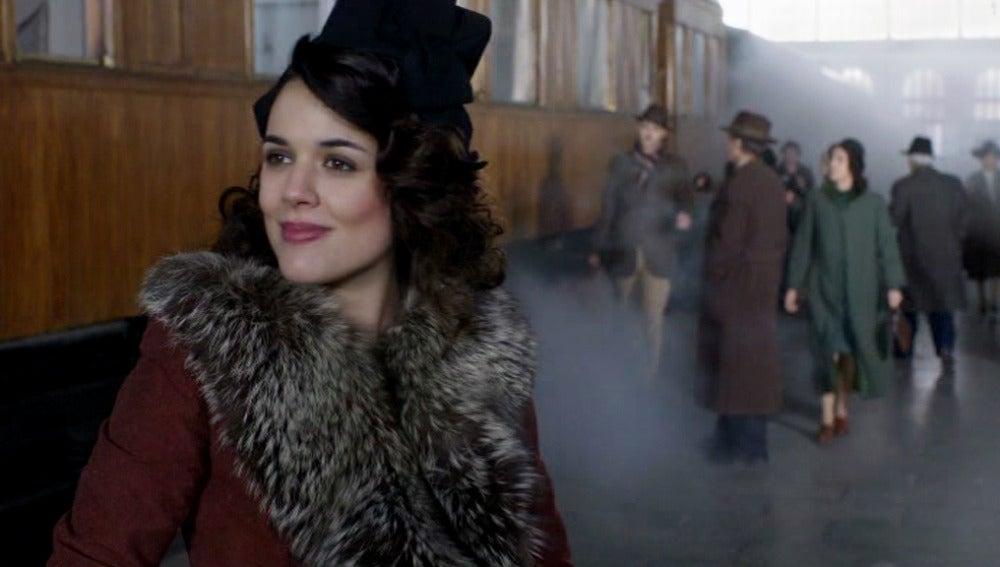 Sira y Marcus se cruzan en la estación de Lisboa sin llegar a verse