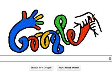 Una manos tejen el 'doodle' de Google para recibir el invierno