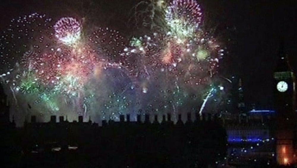 El Big Ben y los fuegos artificiales